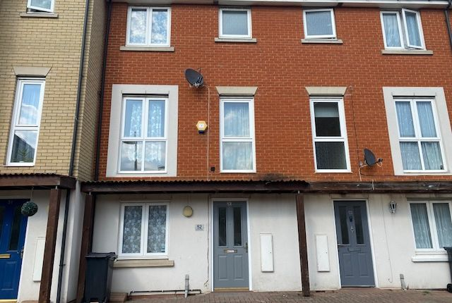 Thumbnail Town house for sale in Glandford Way, Chadwell Heath, Romford