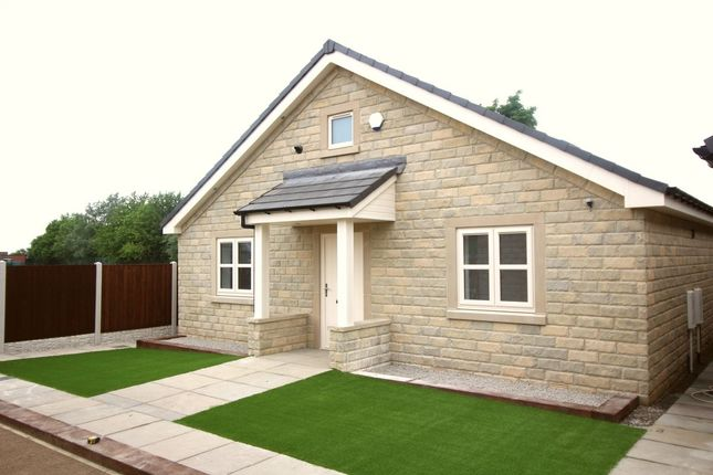 Thumbnail Bungalow for sale in Whitwell Broomfield Road, Stocksbridge, Sheffield