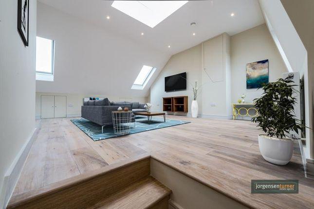 Thumbnail Flat to rent in Collingbourne Road, Top Floor Flat, Shepherds Bush, London