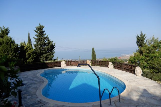 Villa for sale in Kamares, Paphos, Cyprus