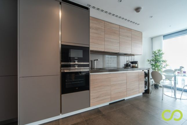 Thumbnail Flat to rent in 261B City Road, London