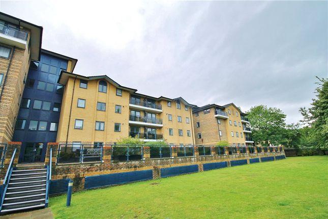 Thumbnail Flat for sale in Tavistock Road, Croydon