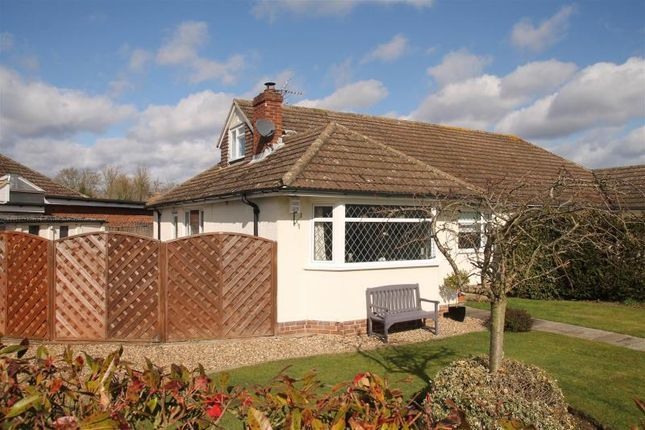 Thumbnail Semi-detached house for sale in Manor Grove, Fifield, Maidenhead