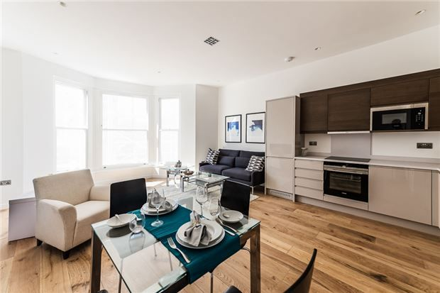 Thumbnail Flat for sale in Upper Richmond Road, Putney, London
