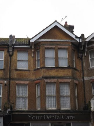 2 bed flat to rent in Sackville Road, Bexhill