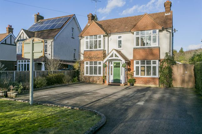 Thumbnail Detached house for sale in London Road, Leybourne, West Malling