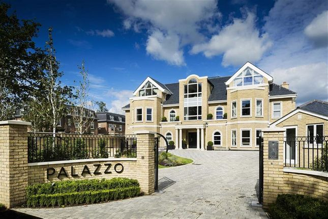 Thumbnail Flat for sale in Beech Hill, Hadley Wood, Hertfordshire