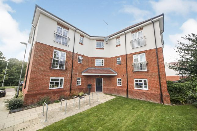 Thumbnail Flat for sale in Millstone Way, Harpenden