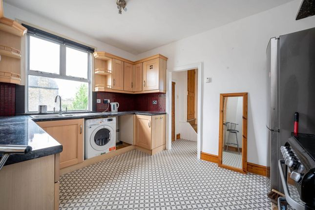 2 bed flat to rent in St Elmo Road, Chiswick, London W12