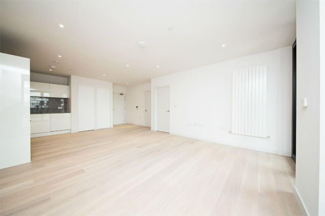 1 bed flat for sale in Cutter House, 1 Admiralty Avenue, Royal Wharf, London
