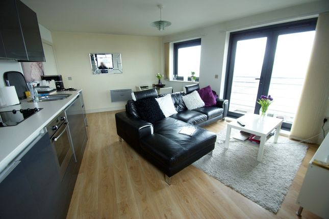 Thumbnail Flat to rent in Galleon Way, Cardiff