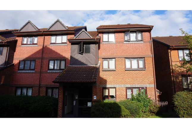 Thumbnail Flat for sale in Maltings Court, Witham