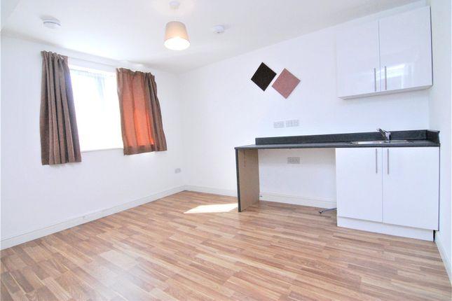 Picture No. 02 of Camborne Terrace, Camborne Avenue, Harold Hill, Romford RM3