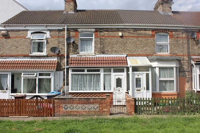 Thumbnail Terraced house for sale in St. Georges Terrace, Redbourne Street, Hull