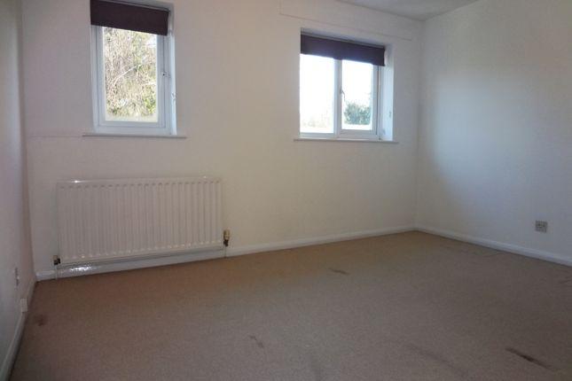 Bedroom: of Grange Close, Hertford SG14