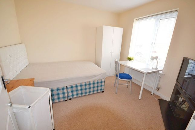 Thumbnail Room to rent in Shropshire Drive, Coventry