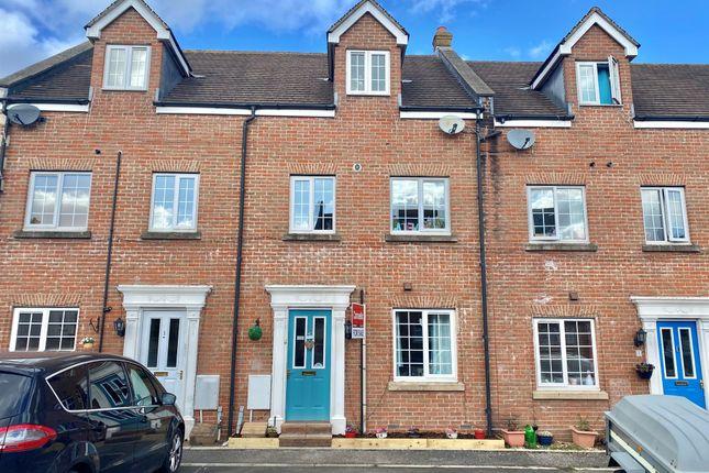 3 bed terraced house for sale in Cerne Avenue, Gillingham SP8
