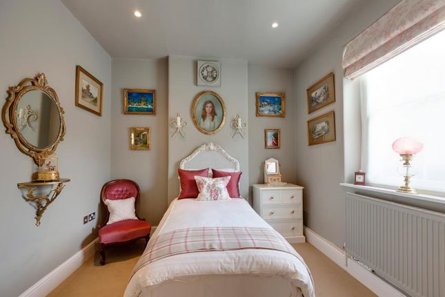 Bedroom 2 of Honeypot Cottage, Burre Close, Bakewell DE45