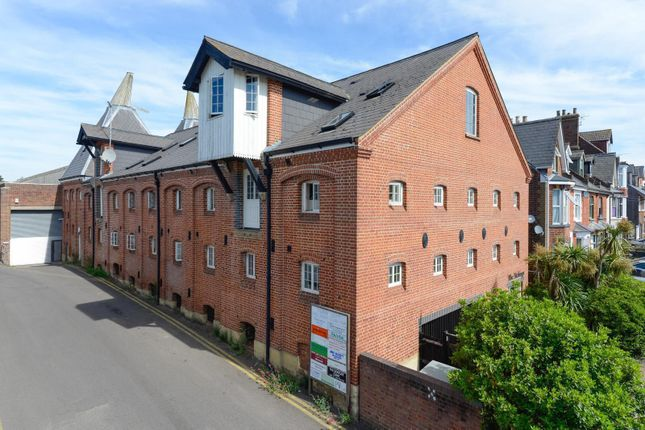 1 bed flat for sale in The Maltings, Ropers Road, Canterbury CT2