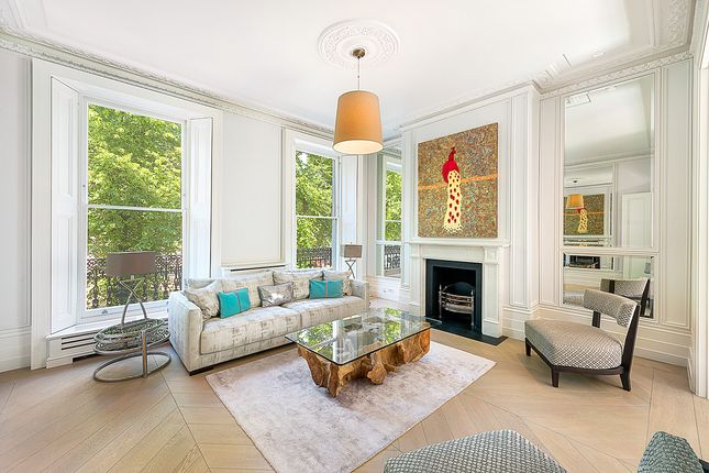 Thumbnail Terraced house for sale in Royal Avenue, Chelsea