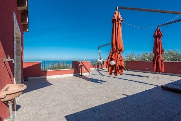 Thumbnail Villa for sale in Roseto Degli Abruzzi, Teramo, Abruzzo