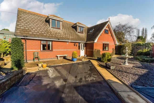 Thumbnail Bungalow for sale in Anchor Hill, Brierley Hill, West Midlands