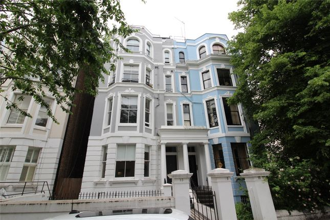 2 bed flat to rent in Colville Road, London