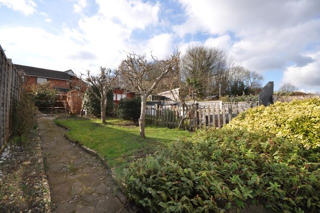 Thumbnail Property to rent in Alexandra Road, Kings Langley, Hertfordshire