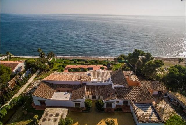 Thumbnail Villa for sale in Spain, Málaga, Estepona, Benamara