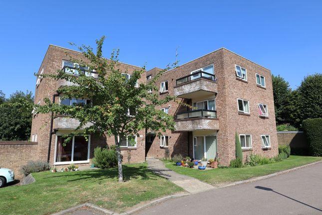 Thumbnail Flat to rent in Milton Road, Harpenden