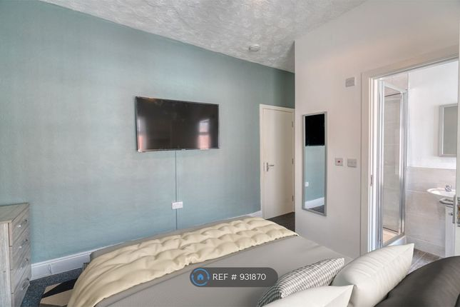 Double Bedroom 4 of Milnthorpe Street, Salford M6