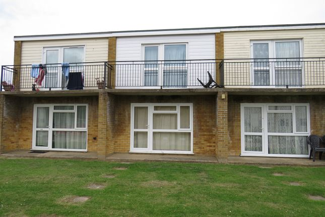 3 bed mobile/park home for sale in Newport Road, Hemsby, Great Yarmouth