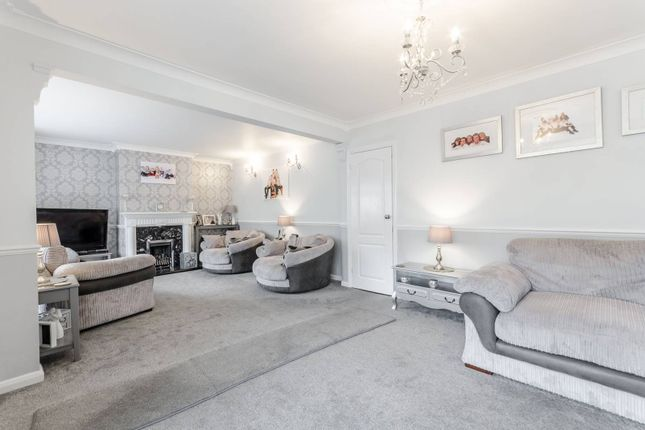 Thumbnail Property for sale in Scholars Road, Chingford