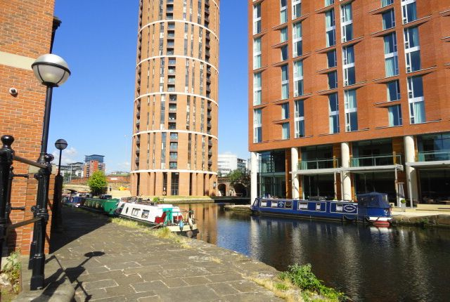 Thumbnail Flat for sale in Wharf Approach, Leeds
