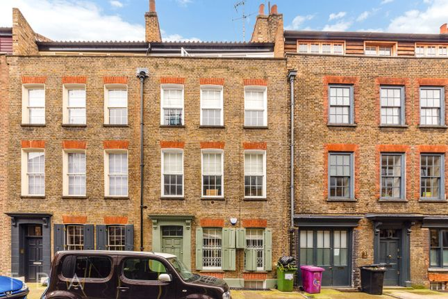Thumbnail Town house to rent in Princelet Street, London