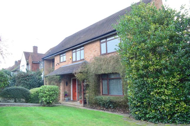 4 bed detached house to rent in Batchworth Lane, Northwood, Middlesex