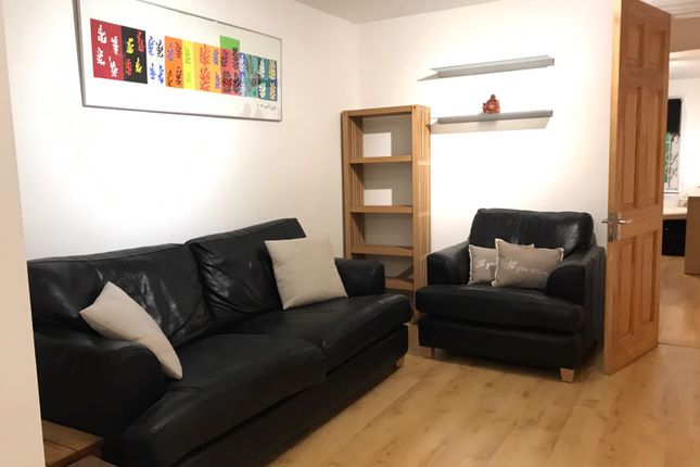 Thumbnail Flat to rent in Clapham Road, Stockwell