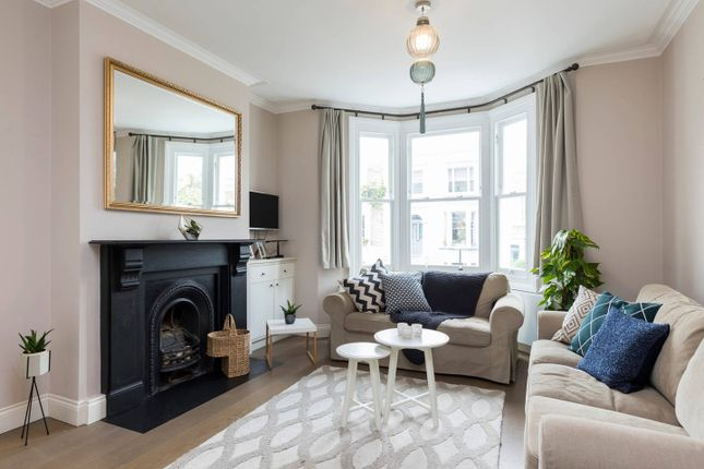 Thumbnail Town house to rent in Broadhinton Road, London