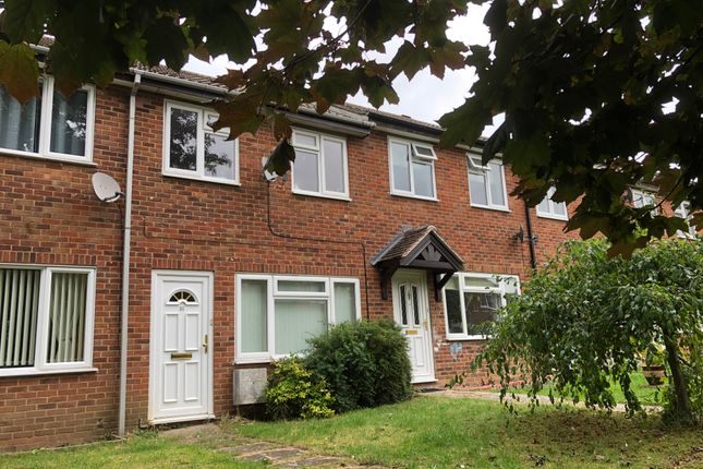2 bed terraced house to rent in Hughenden Green, Aylesbury HP21