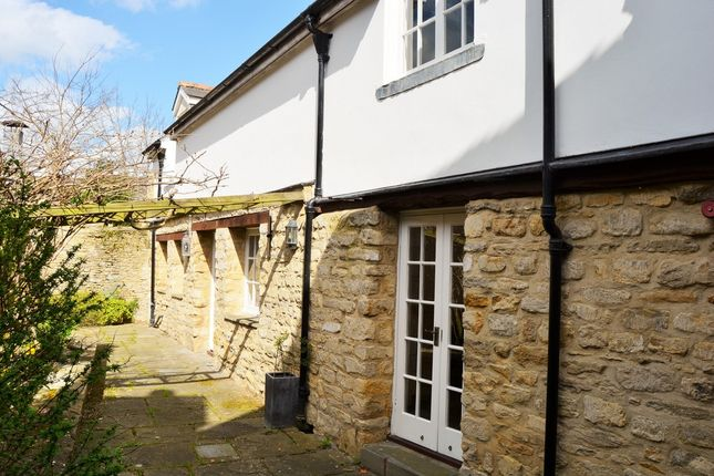 Thumbnail Cottage to rent in High Street, Lechlade