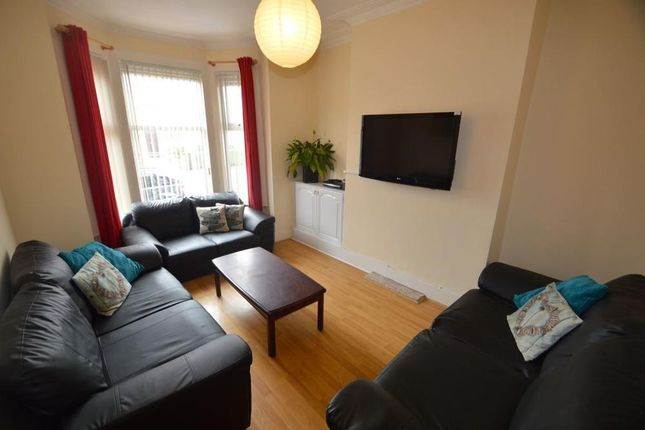 Thumbnail Terraced house to rent in Queens Road, Uxbridge