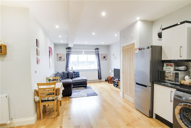 Thumbnail Studio for sale in Victoria Road, Horley