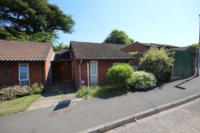 Thumbnail Bungalow for sale in Finmere, Bracknell
