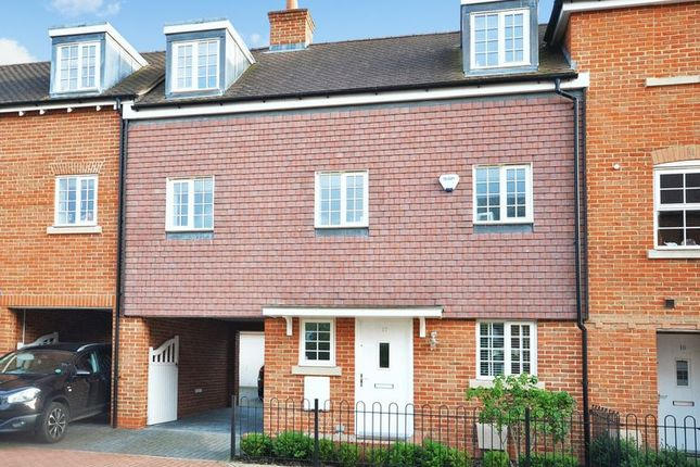 4 bed town house for sale in Whittingham Avenue, Wendover, Aylesbury