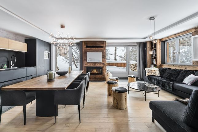 Open Plan of Val-D'isere, Savoie, France