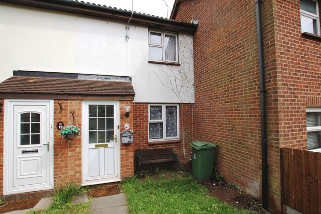 3 bed terraced house to rent in Gainsborough Drive, Houghton Regis, Dunstable LU5