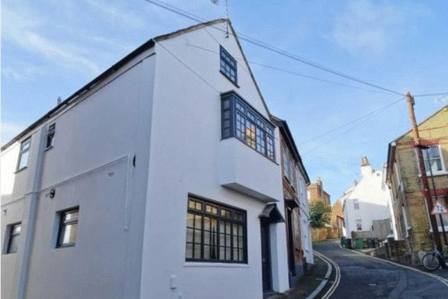 Thumbnail Semi-detached house for sale in Sun Hill, Cowes