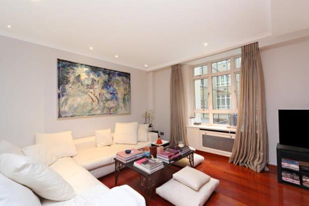 Thumbnail Flat for sale in Park Lane, Mayfair, London