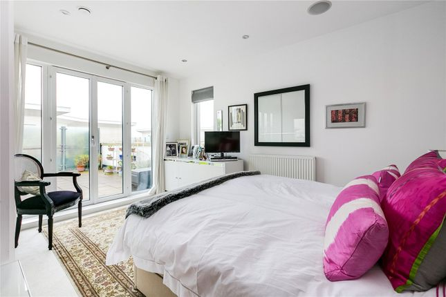 Bedroom of Holford Way, London SW15