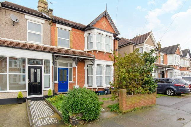 Thumbnail Property to rent in Castleton Road, Ilford
